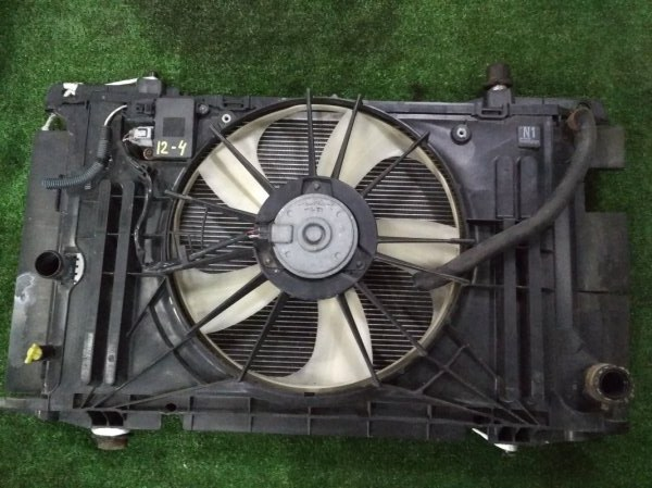 Радиатор двигателя Toyota Corolla Rumion ZRE152N 2ZR-FE