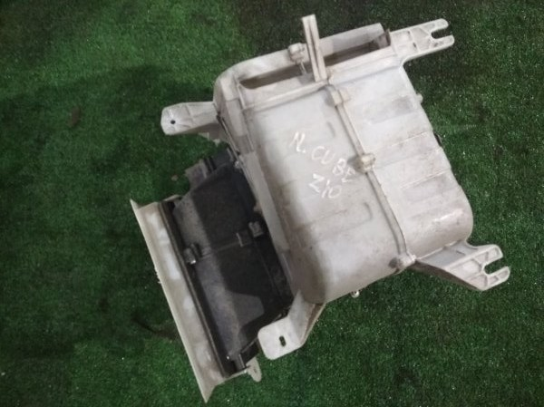 Корпус вентилятора отопителя Nissan Cube Z10
