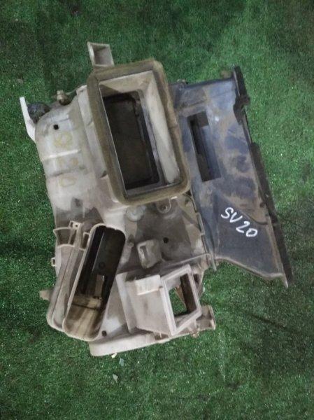 Корпус вентилятора отопителя Toyota SV20