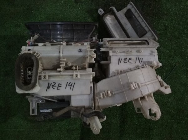 Корпус вентилятора отопителя Toyota NZE141