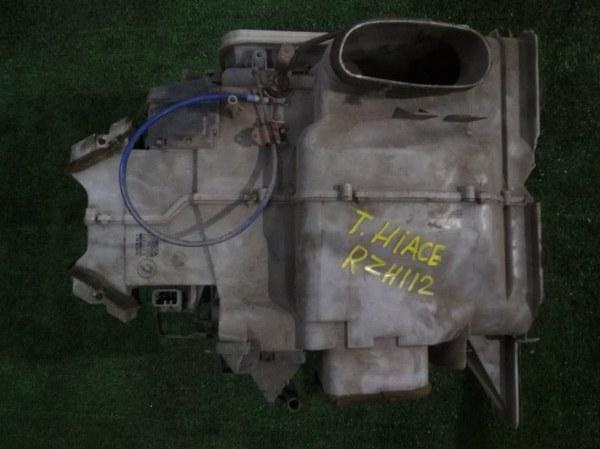 Корпус вентилятора отопителя Toyota Hiace RZH112L