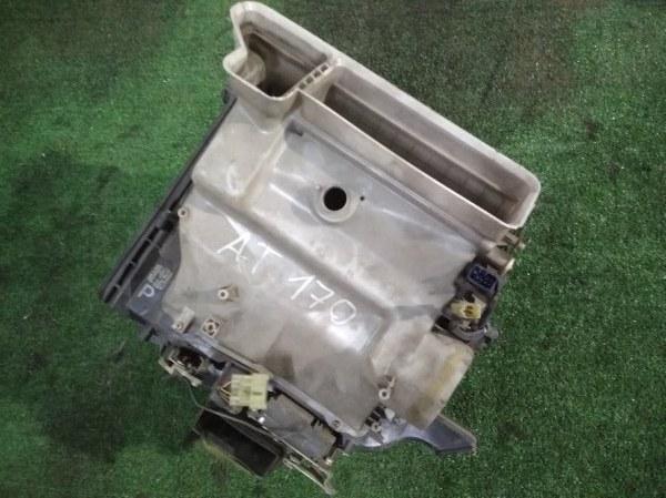 Корпус вентилятора отопителя Toyota AT170