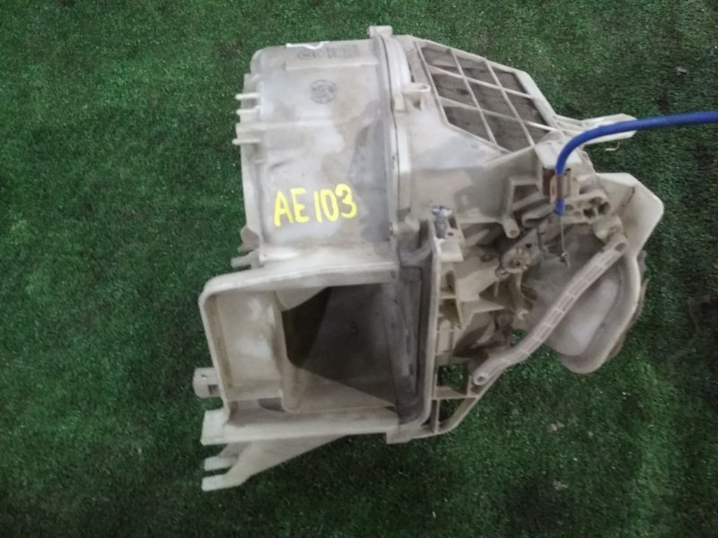Корпус вентилятора отопителя Toyota AE103