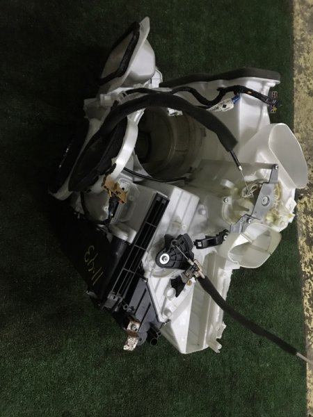 Корпус вентилятора отопителя Nissan X-Trail NT31 MR20DE