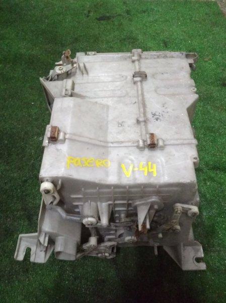 Корпус вентилятора отопителя Mitsubishi Pajero V44W