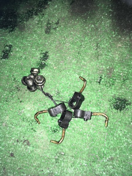 Форсунка маслянная Isuzu Elf NKR66E 4HF1 1994