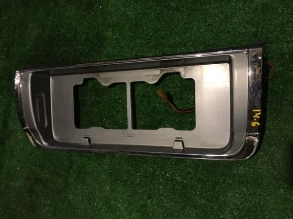 Рамка номера Nissan Cedric YPY31 VG30E