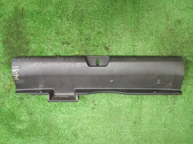 Накладка замка багажника Honda Civic FD2 K20A