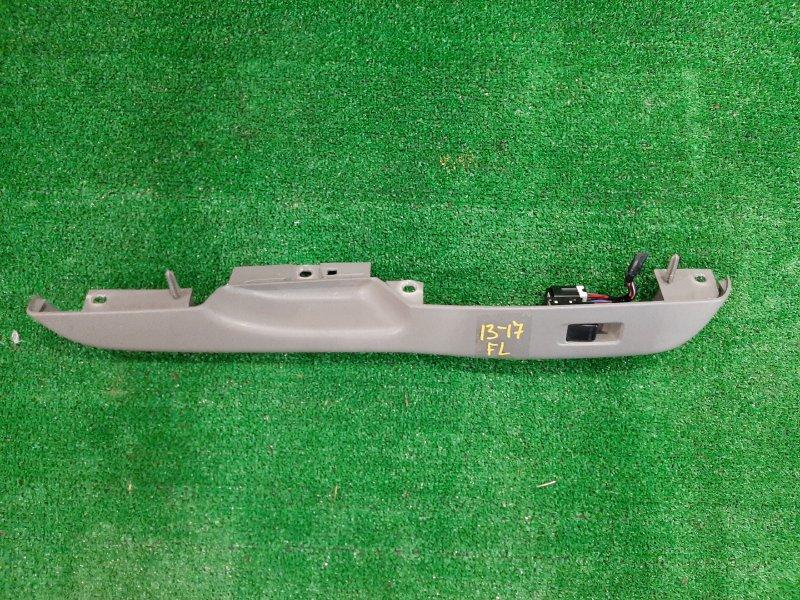 Кнопка стеклоподъемника Nissan March K11 CG10DE передняя левая