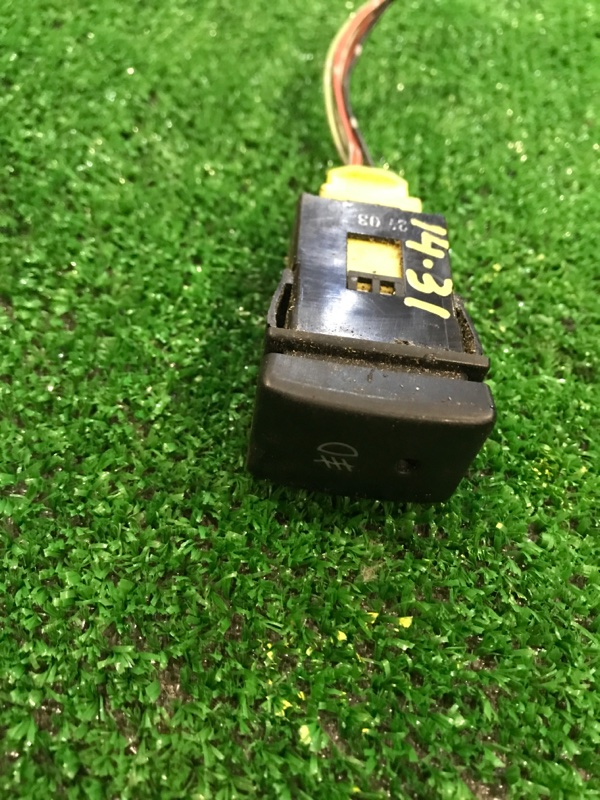 Кнопки в салон Mitsubishi Delica P27V 4G63