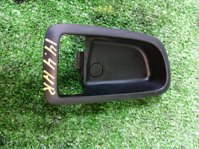Вставка под ручку двери салона Mazda Axela BK5P ZY-VE задняя правая