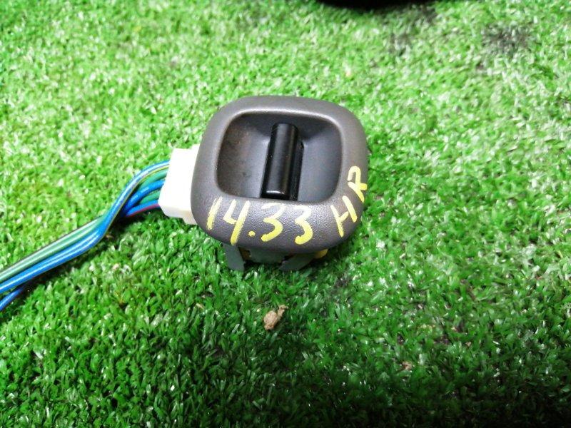 Кнопка стеклоподъемника Toyota Ractis NCP100 1NZ-FE задняя правая