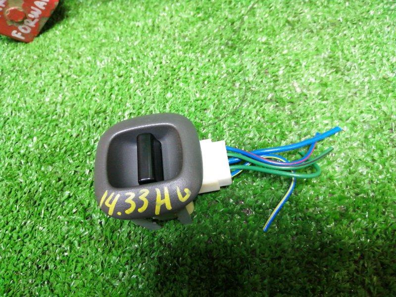 Кнопка стеклоподъемника Toyota Ractis NCP100 1NZ-FE задняя левая