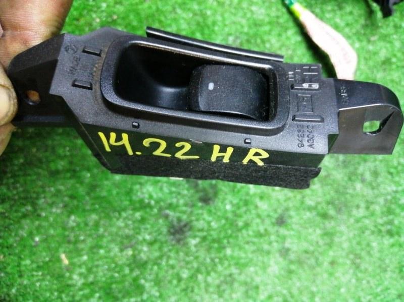 Кнопка стеклоподъемника Subaru Legacy BP5 EJ204 задняя правая