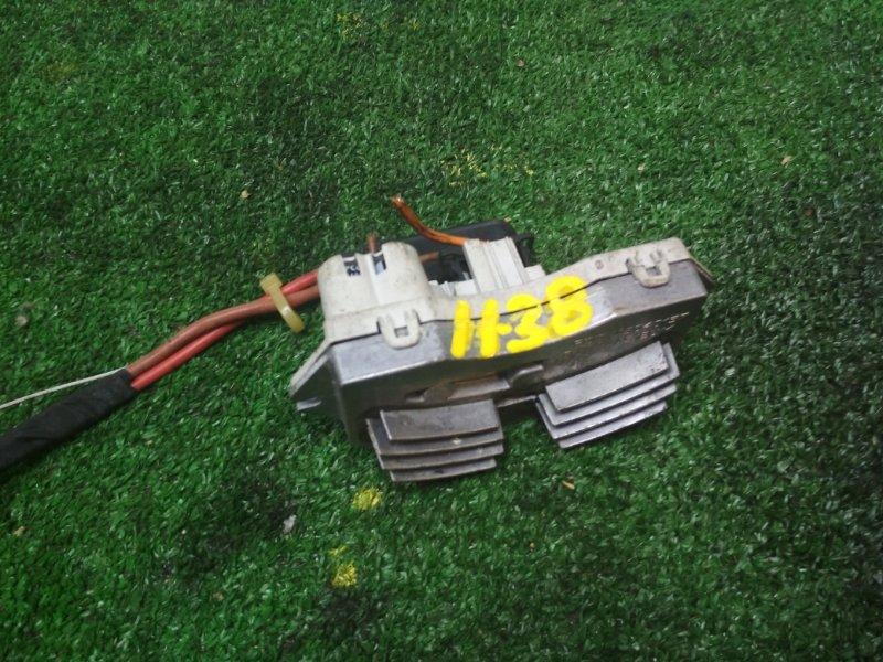 Резистор вентилятора охлаждения Bmw 320I E90 N46 B20 2007