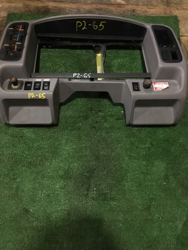 Консоли панели приборов Toyota Coaster J05C