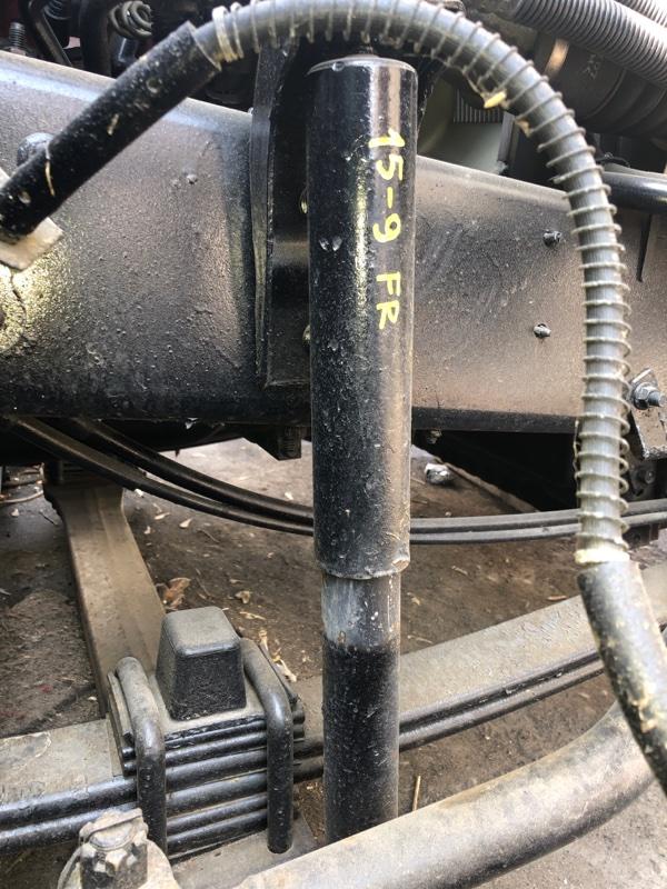 Амортизатор Nissan Diesel MK36A J07E передний правый