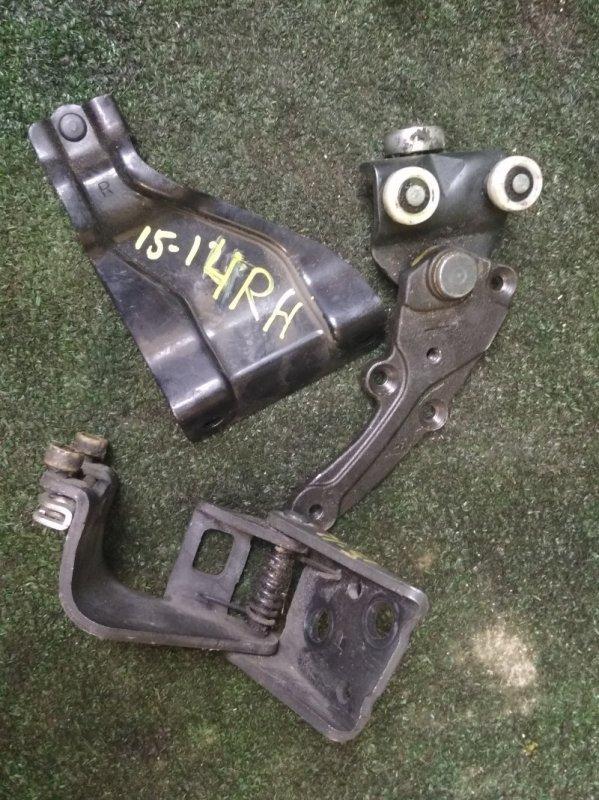 Ролик сдвижной двери Honda Elysion RR1 K24A задний правый