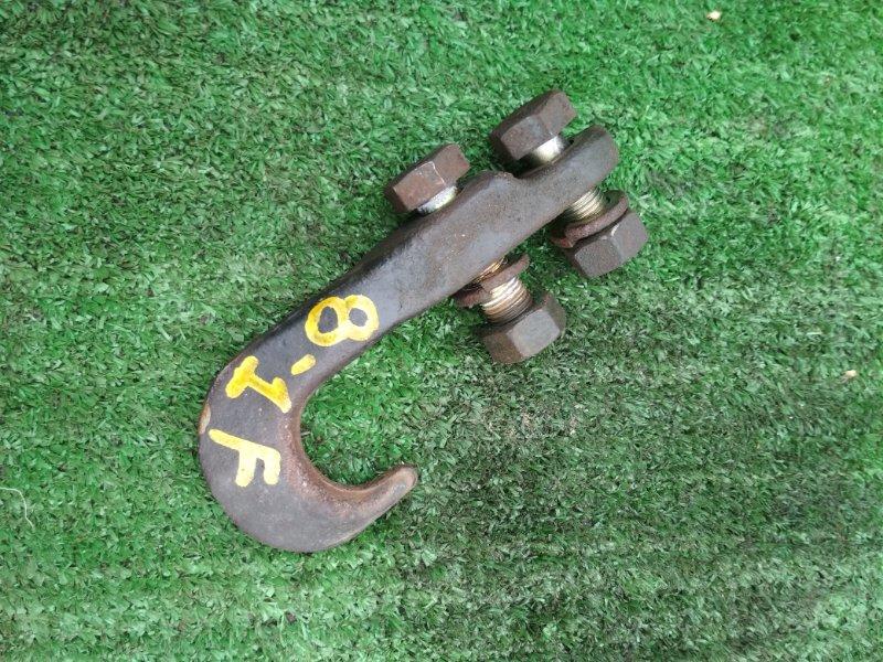 Буксировочный крюк Mitsubishi Canter FB511B 4M40 передний