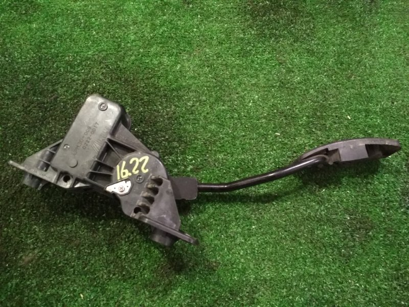 Педаль газа Mitsubishi Colt Z21A 4A90