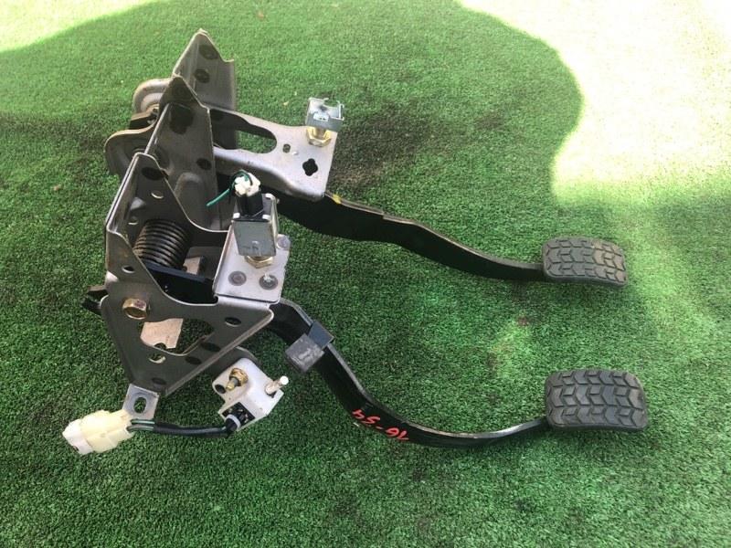 Педальный узел Mazda Demio DW3W B3