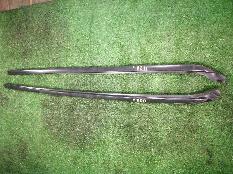 Молдинг лобового стекла Toyota Ipsum ACM21 2AZ-FE левый