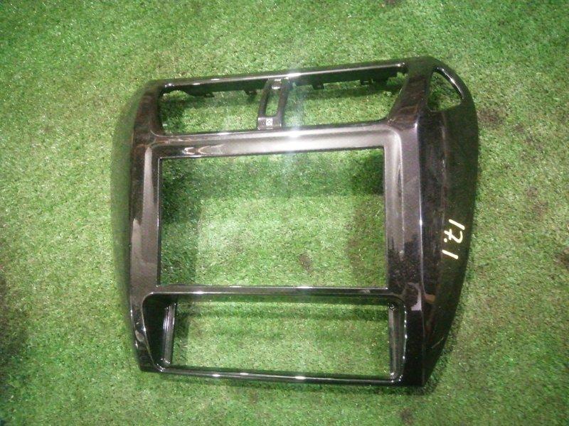 Консоли панели приборов Mitsubishi Chariot Grandis N84W 4G64