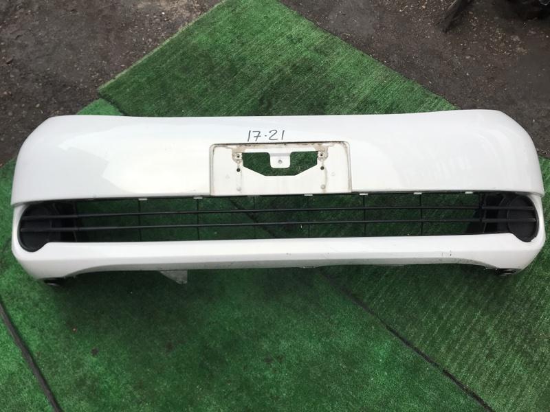 Бампер Toyota Isis ZNM10W 1ZZ-FE передний