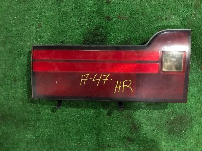 Фонарь в крышку багажника Toyota Hiace KZH106W 1KZ-TE задний правый