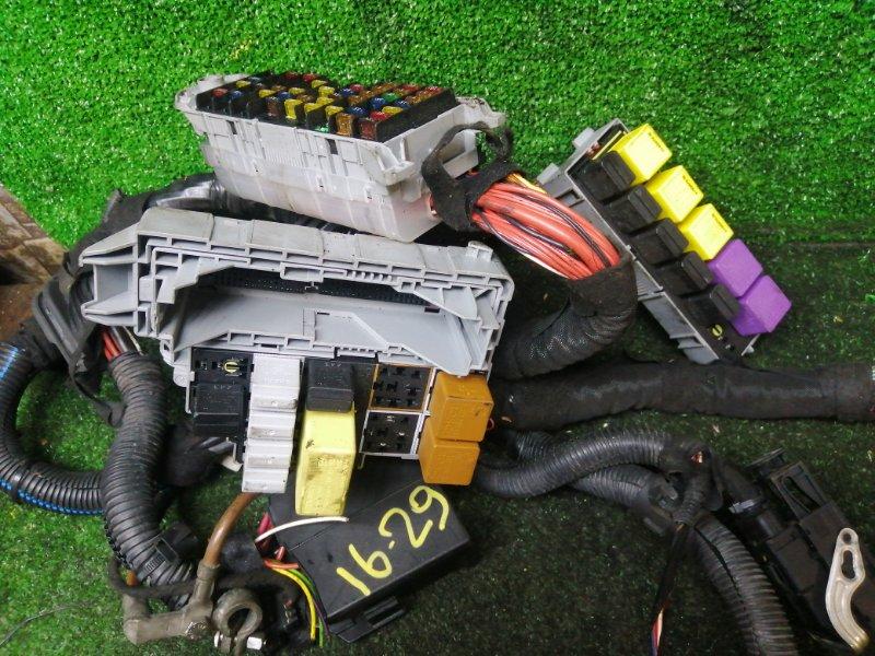 Блок реле и предохранителей Opel Meriva Z16XE 2004