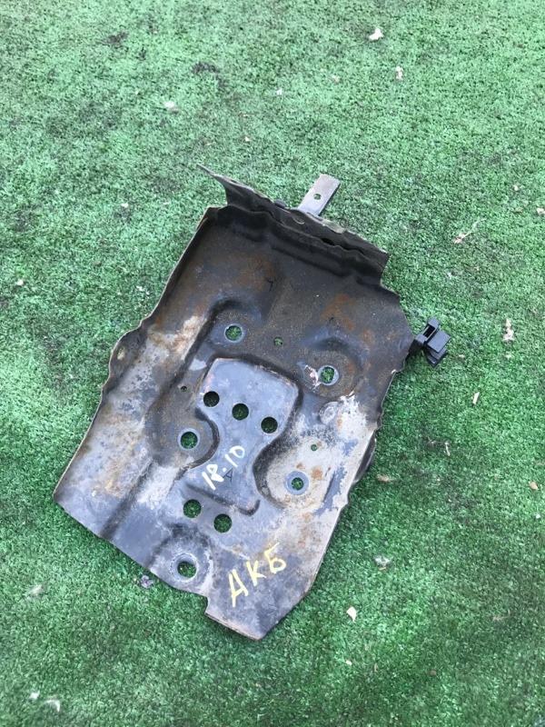 Полка под аккумулятор Nissan Bluebird Sylphy QG10 QG18DE
