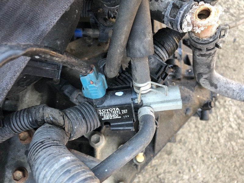 Электромагнитный клапан Toyota Allion ZZT240 1ZZ