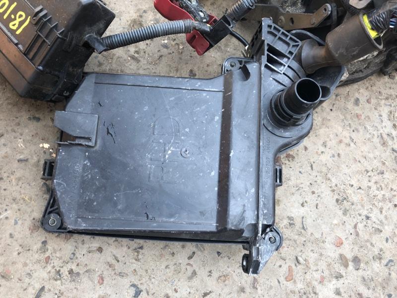 Корпус блока управления двс Nissan Bluebird Sylphy QG10 QG18DE