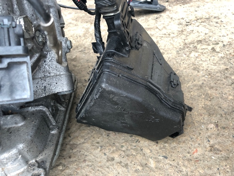 Блок реле и предохранителей Toyota Spade NCP141 1NZ-FE