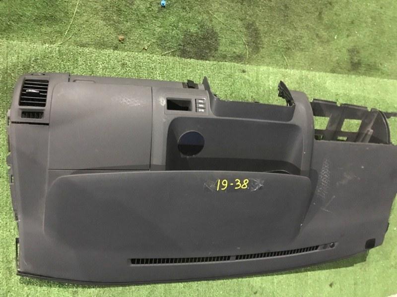 Панель передняя в салон Toyota Voxy ZZR70W 3ZR-FE