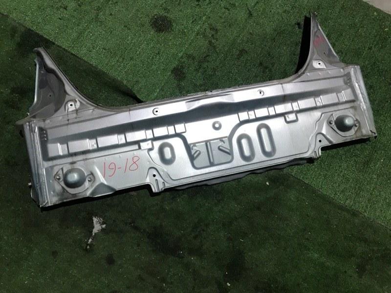 Задняя панель кузова Toyota Prius NHW10 1NZ-FXE