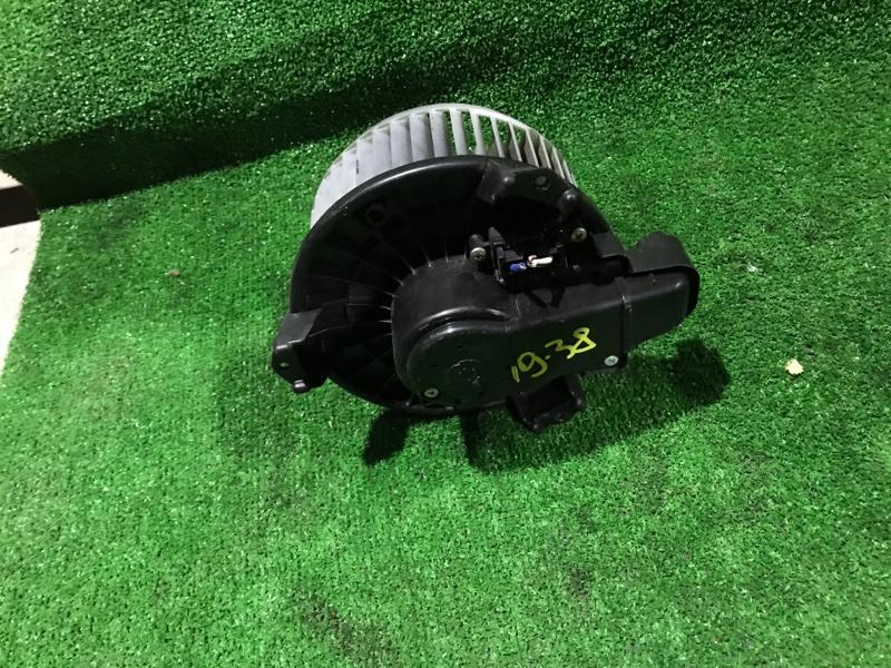 Вентилятор печки Toyota Voxy ZZR70W 3ZR-FE