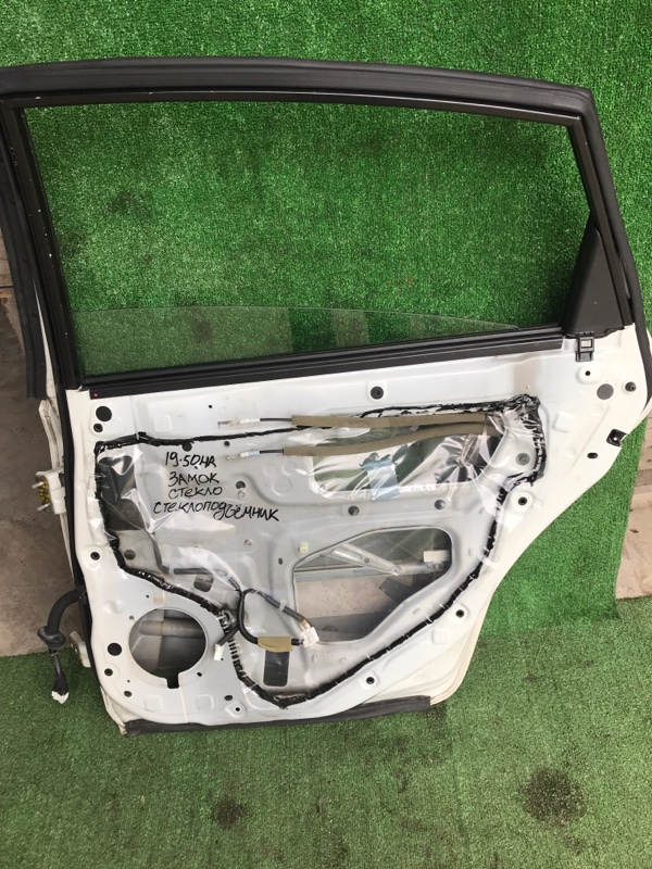 Стекло боковое Nissan Teana J32 VQ25DE заднее правое