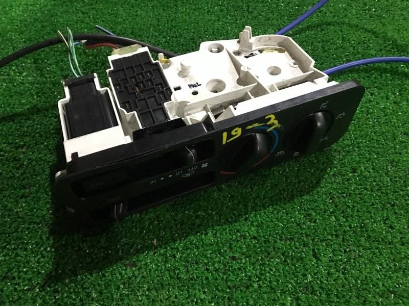 Блок управления климат-контролем Toyota Nadia SXN15 3S-FE