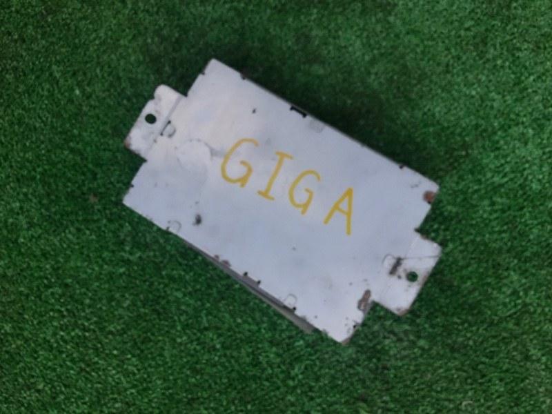 Блок управления Isuzu Giga