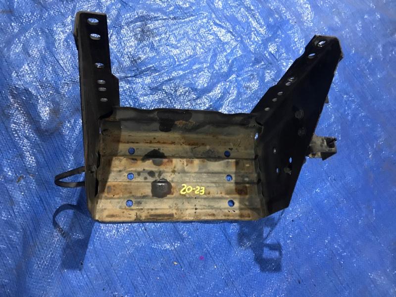 Крепление аккумулятора Mazda Demio DW3W B3