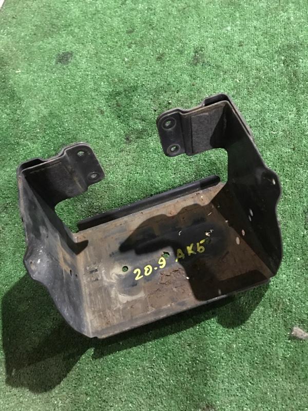 Полка под аккумулятор Toyota Dyna KDY280 2KD-FTV