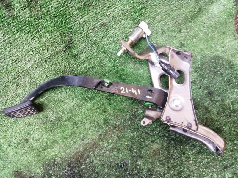 Педаль сцепления Toyota Probox NCP59 1NZ-FE