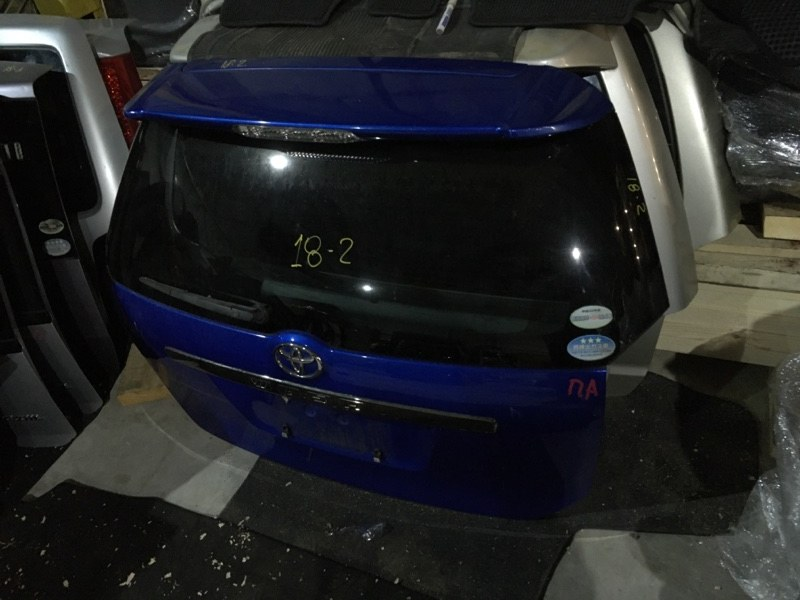 Дверь задняя багажника Toyota Wish ZNE10G 1ZZ-FE