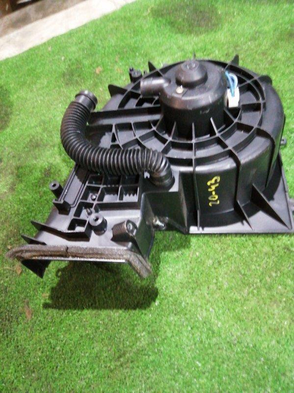 Вентилятор печки Nissan Tino HV10 SR20DE