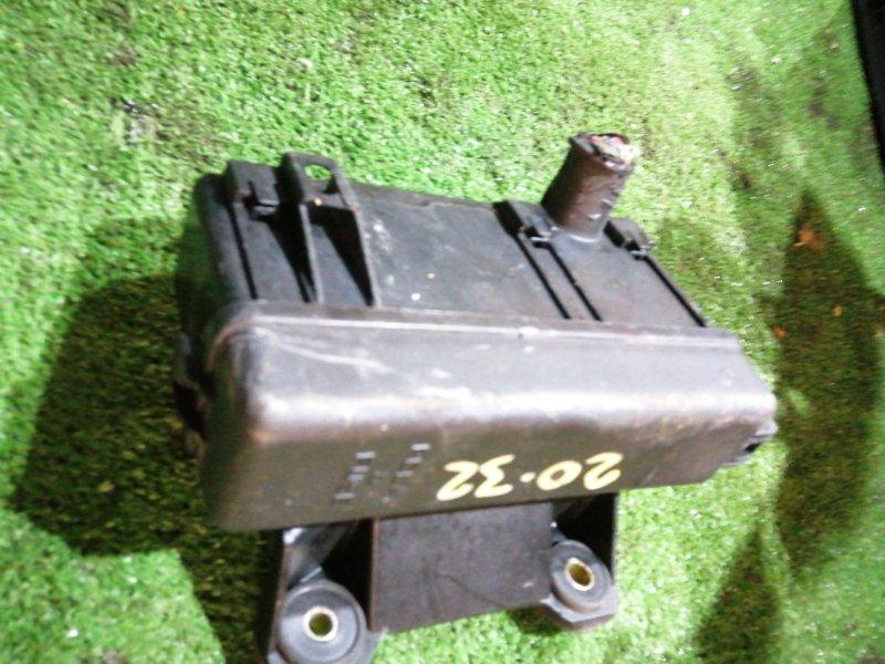 Блок реле и предохранителей Toyota Aristo JZS160 2JZ-GE