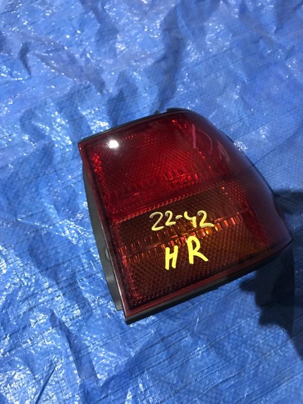 Фонарь стоп-сигнала Nissan Liberty PNM12 SR20DE правый