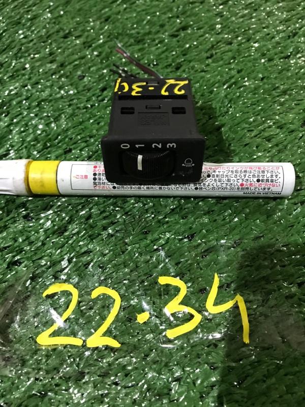 Кнопки в салон Nissan Elgrand APWE50 VQ35DE