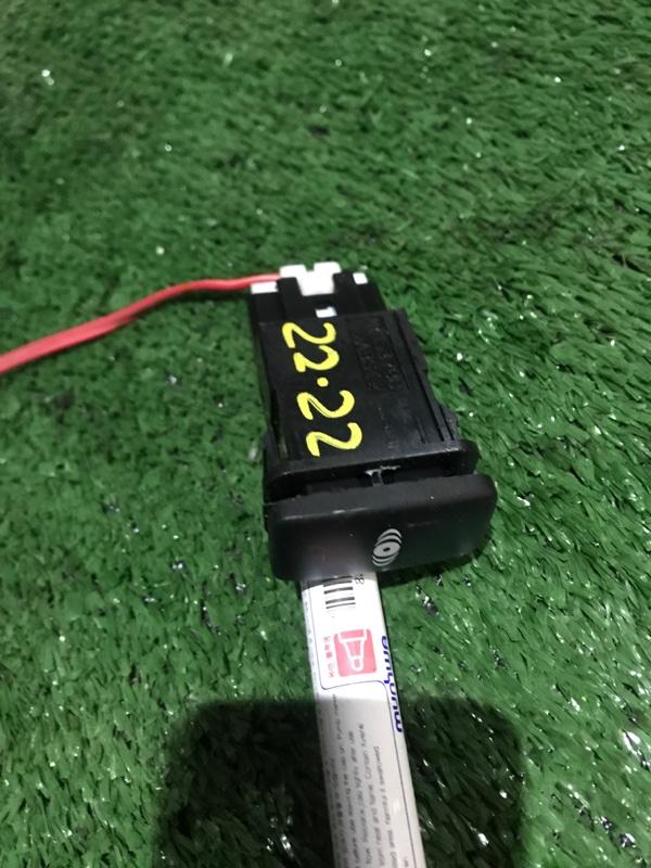 Кнопки в салон Toyota Ipsum ACM26W 2AZ-FE