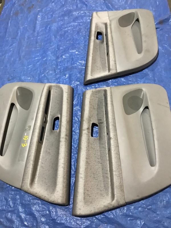 Обшивка двери Toyota Nadia SXN15 3S-FE